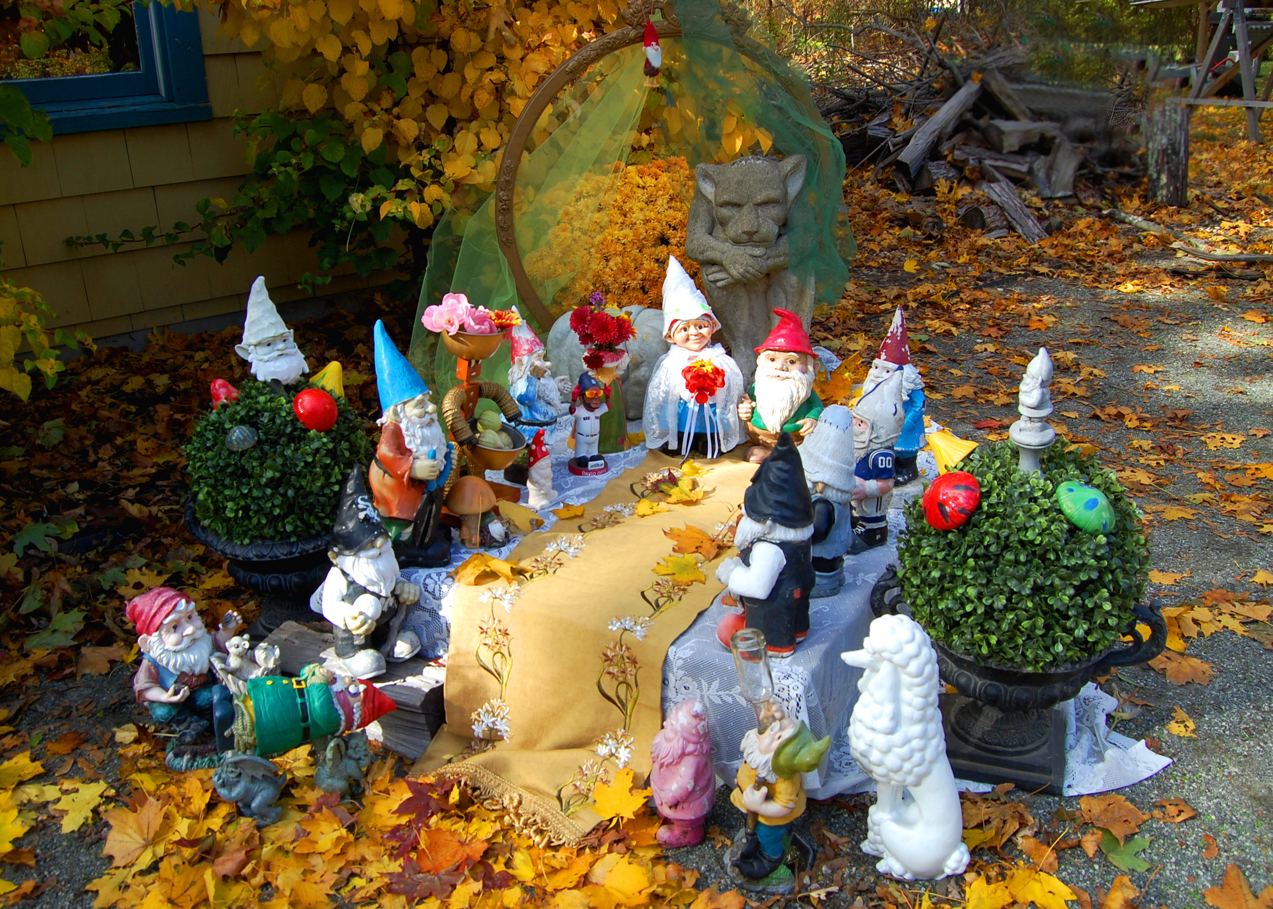 gnome wedding.jpg