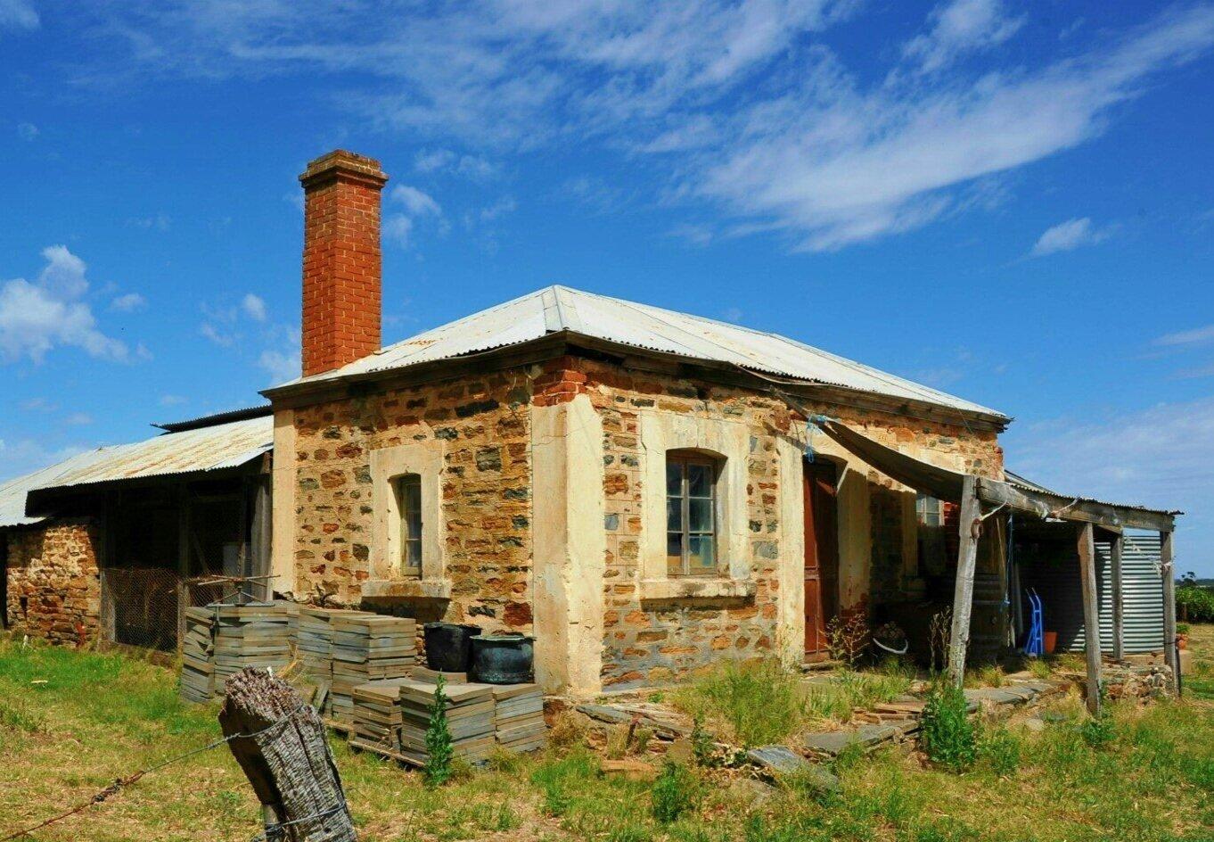 old+cottage+before+renovations.jpg