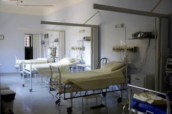 bed-clinic-empty-236380.jpg