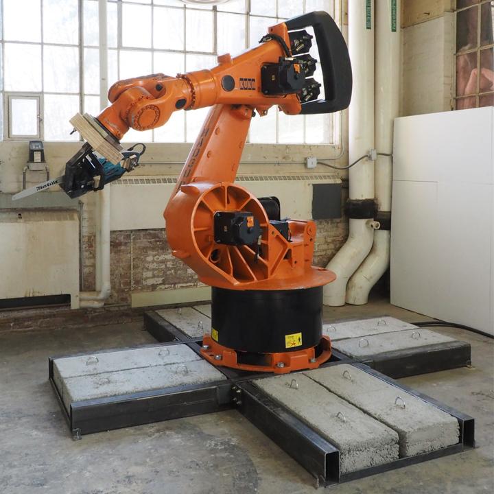 1 robot.jpg
