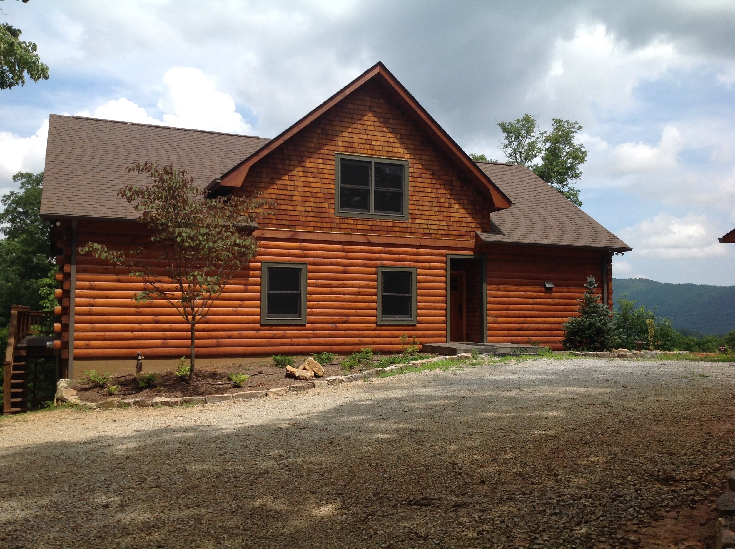 Persimmon D-Log Home & Separate Garage -