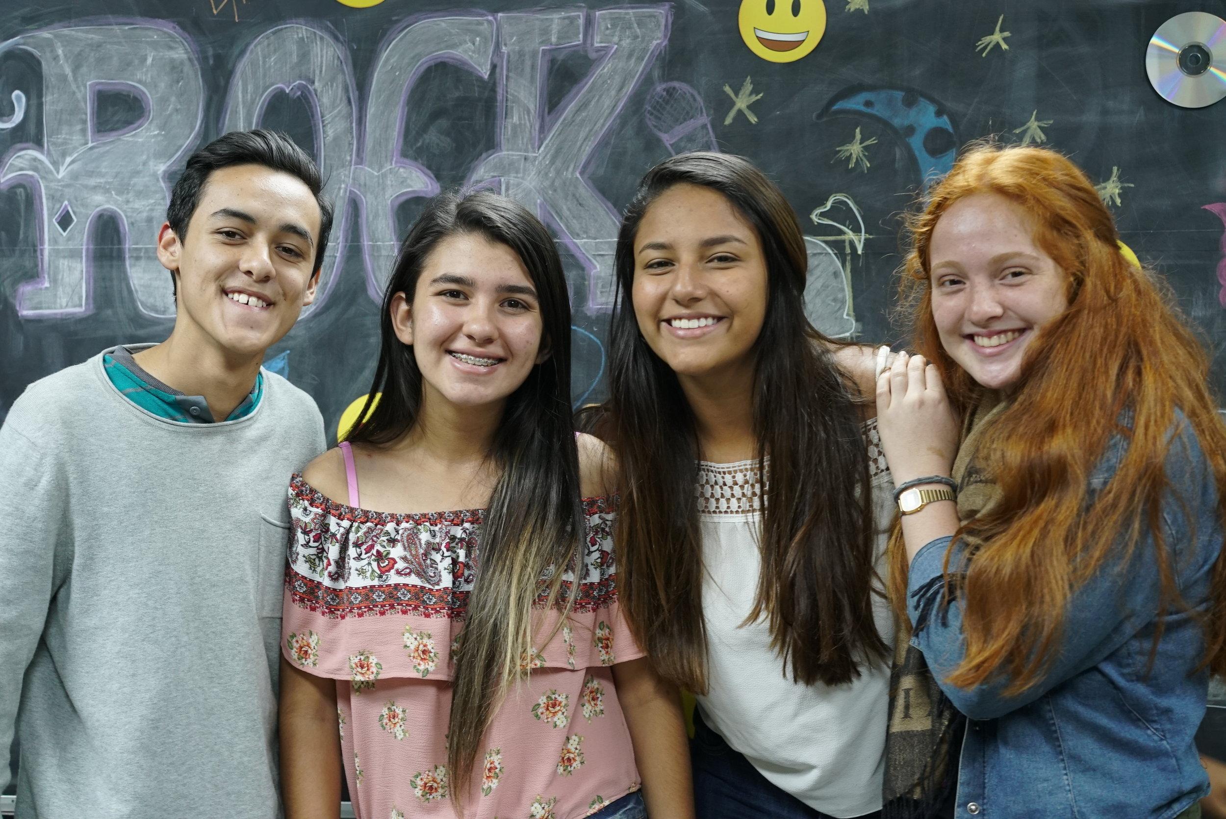 KZN Teens - Si tenés entre 13 y 17 años cada martes te esperamos en Teens, un espacio para todos los colegiales para unirnos a aprender de Cristo con buenos amigos y en un ambiente divertido.