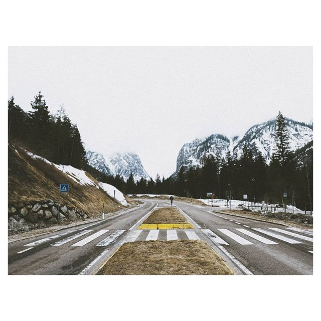 Parallel Roads // DOLOMITES  #winterroadtrip #beautifuldestinations #stayandwander #ourcamplife #feelthealps