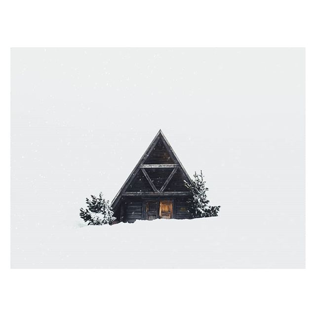 Lone Cabin🔺// DOLOMITES  #vibesofvisual #folkgood #cabinlove #condenast #houseoftones