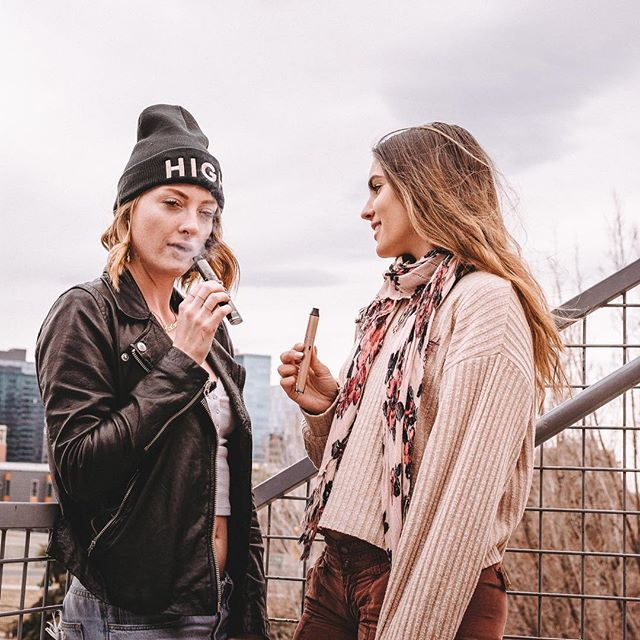 We vape, bro. 😏 . 📸: @jointnostalgia . . #high #happy #girlswhosmoke #colorado #denver #life #vape #girls #420 #710society #710 #dipstick