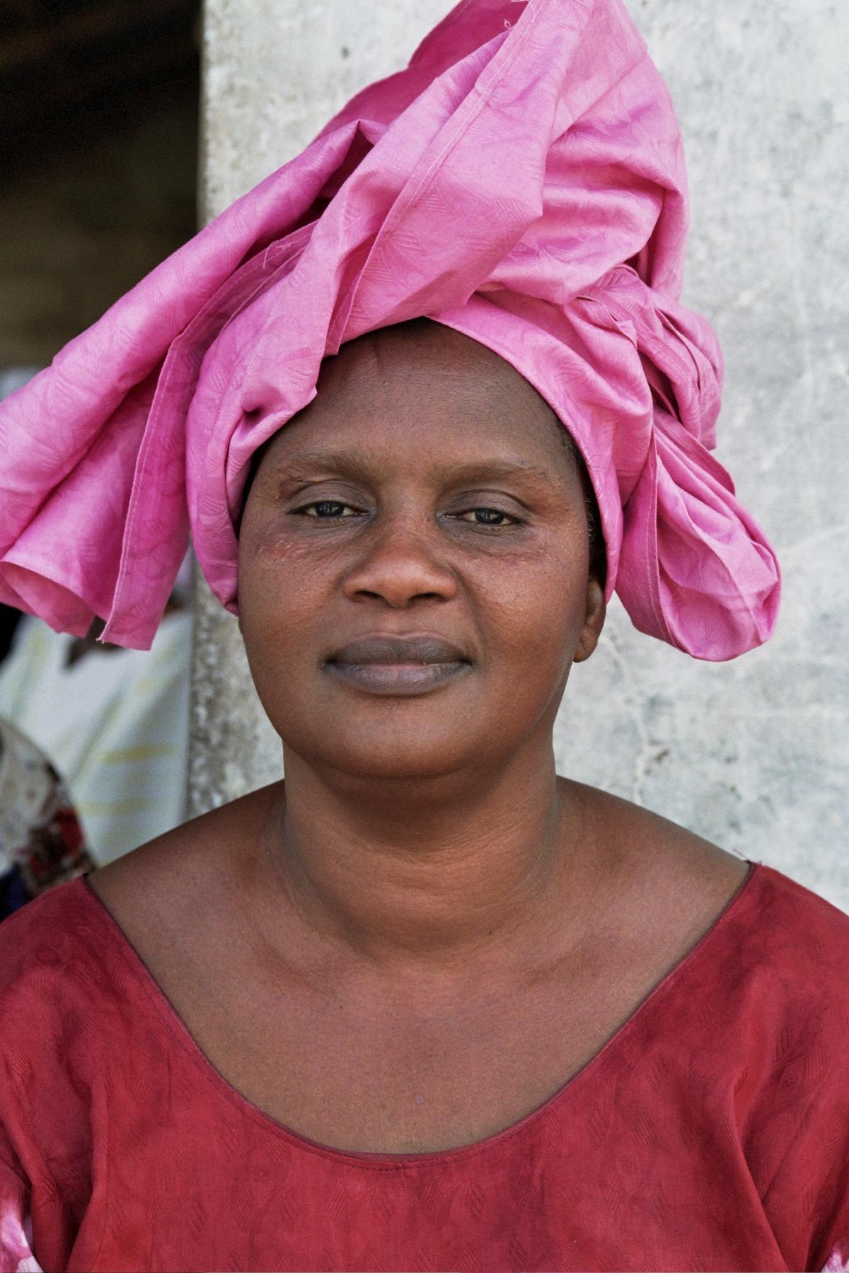 Senegal_lady_7.jpg