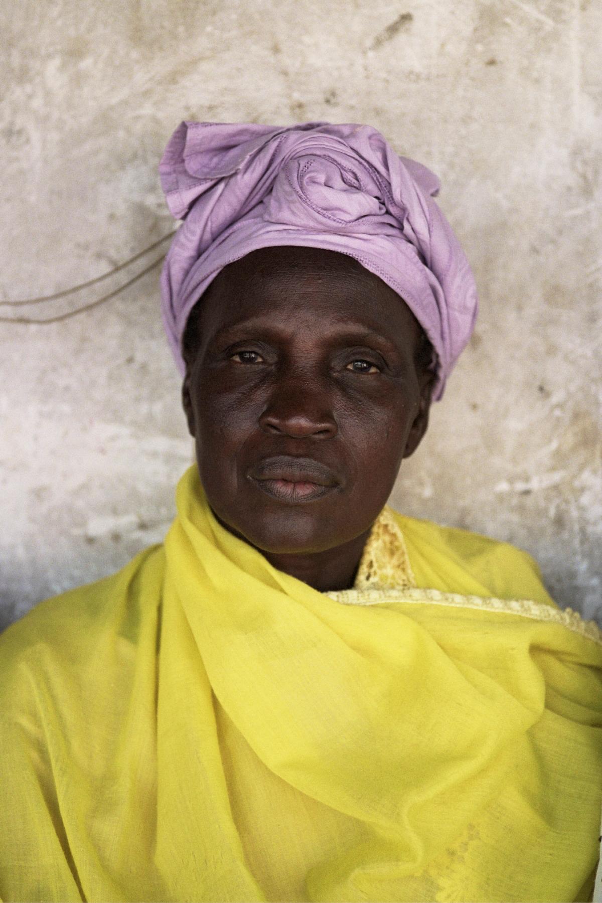 Senegal_lady_8.jpg