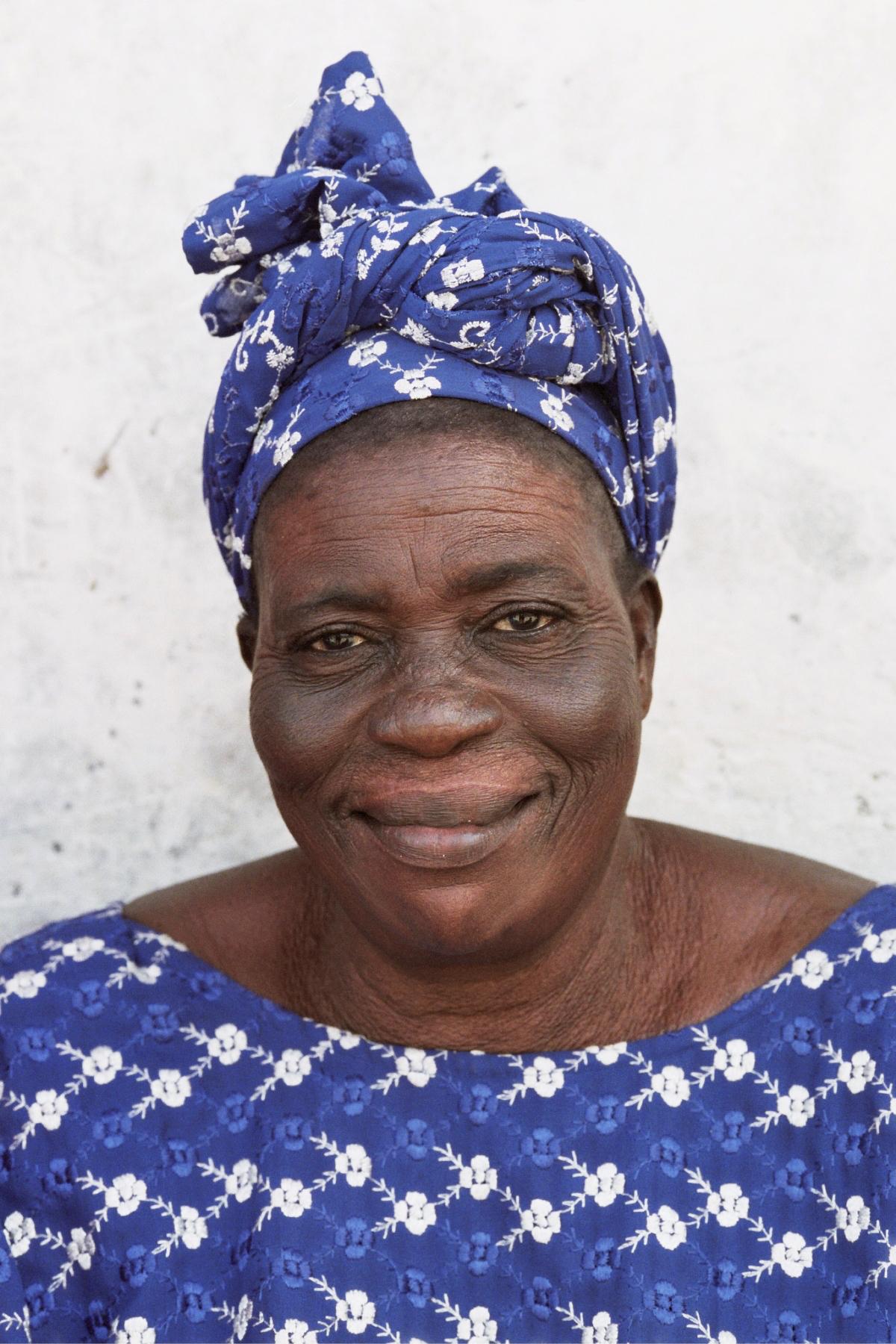 Senegal_lady_14.jpg