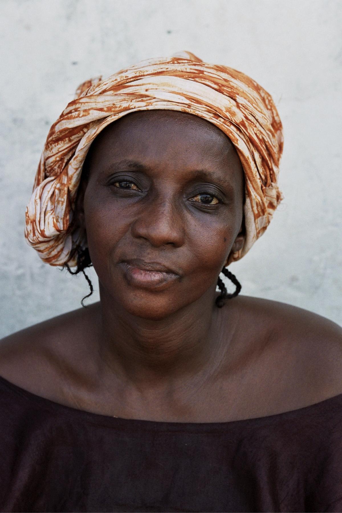 Senegal_lady_13.jpg