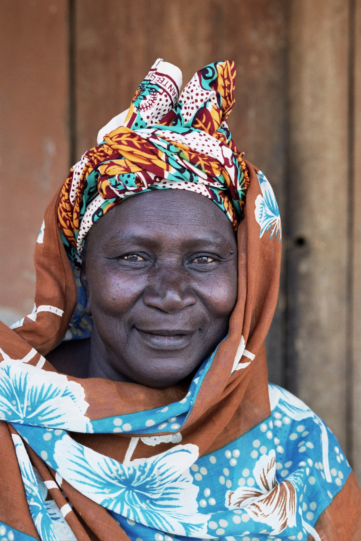 Senegal_lady_17.jpg