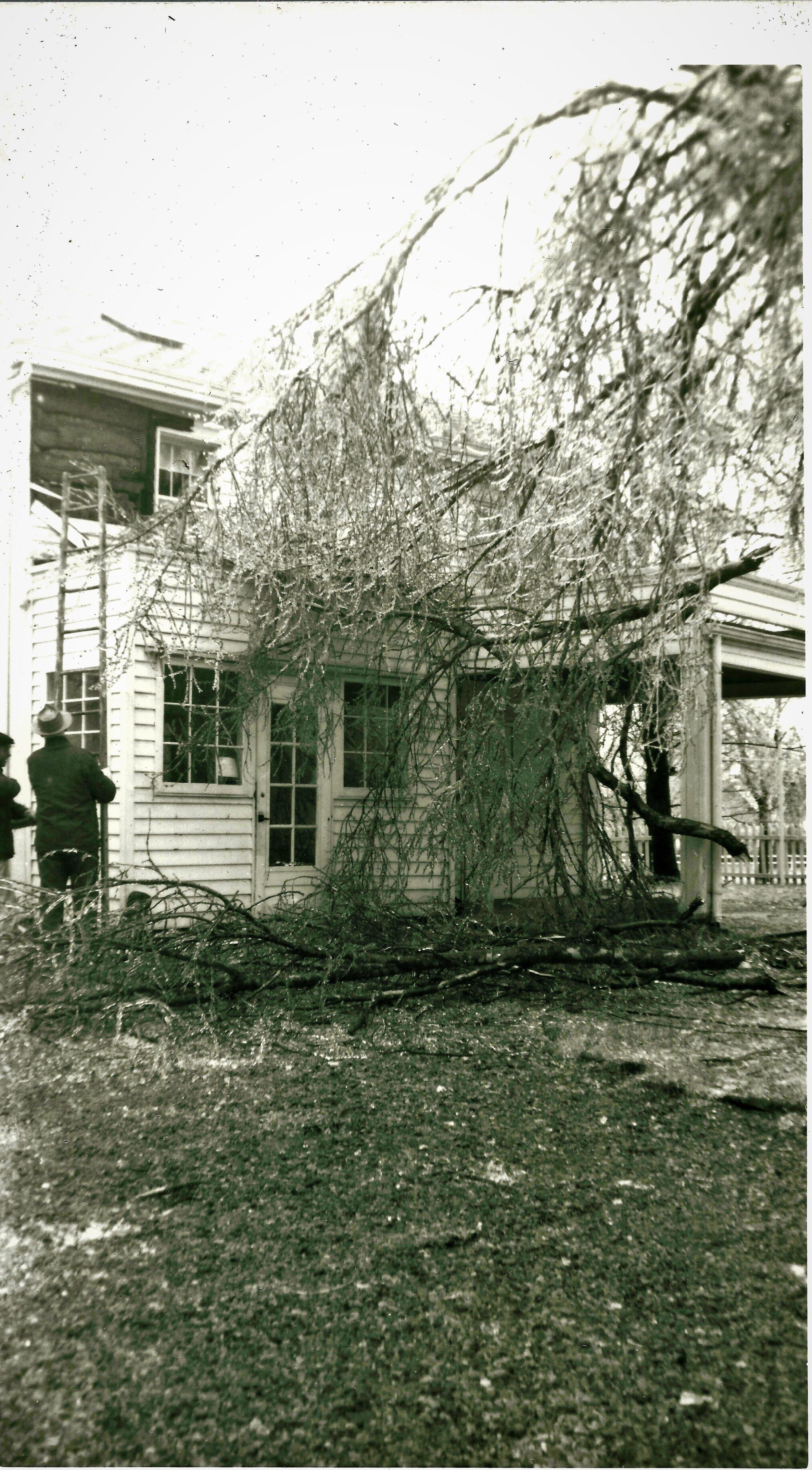 1962 ice storm 310 hamilton Ave Trenton Oh.jpg