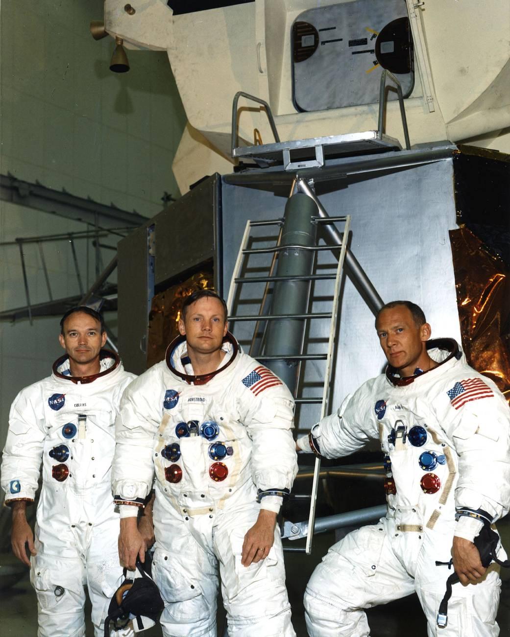 3 astronauts before launch.jpg
