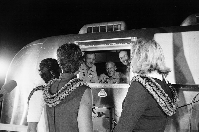 ASTRONAUTS GREETED BY WIVES.jpg
