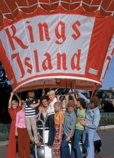 bradys at kings island 1973.jpg