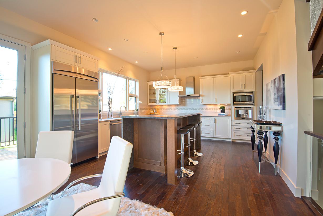 2625_Kitchen1.jpg