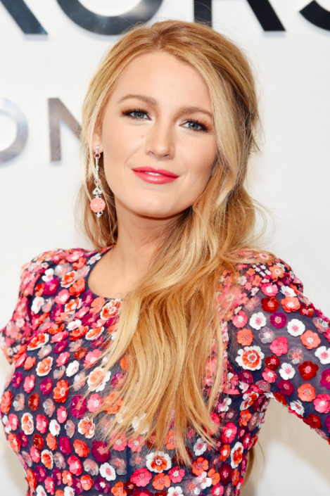 Buttery Blonde   Painting streaks of golden and buttery hues throughout the hair offers blondes a Blake Lively-inspired look.