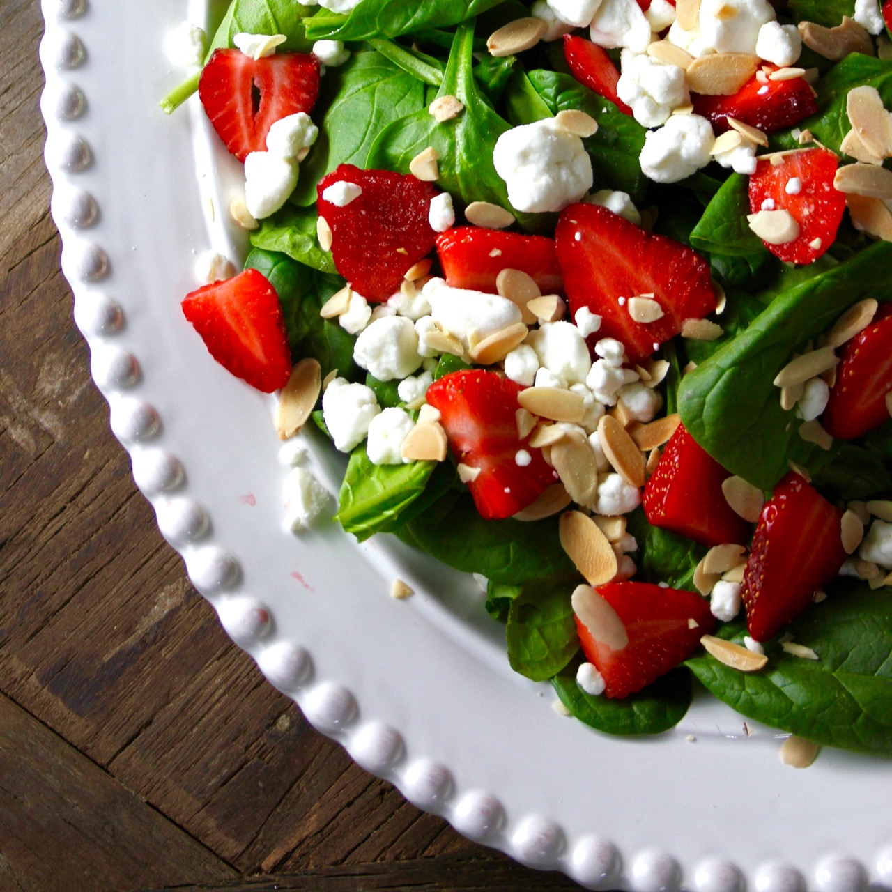 Spinach Salad with Strawberries, Almonds and Goat Cheese