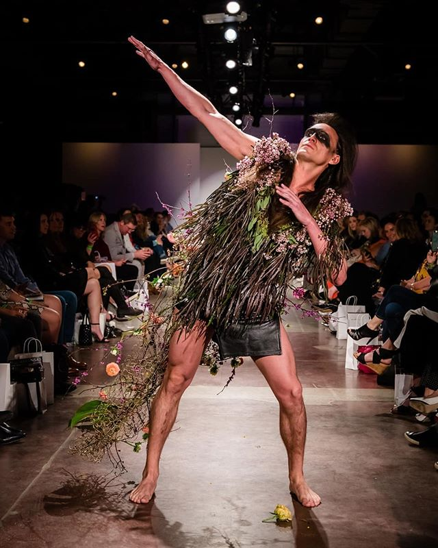 Did you know @samanthas_garden had her own runway show during @nwafashionweek? Her line showcased fresh flowers and organic material that transformed her models into warriors. @mashburnphoto was there to capture it all and I can't wait to share more photos.  Hear @diana_lina_thompson tell the story behind Samantha's Garden on episode 1.  Listen today // search The Sweet Slice on @Spotify @applepodcasts @stitcherpodcasts @anchor.fm or link in bio