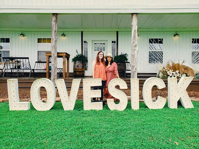 thankful for wonderful vendor friends who make sure I have a seat at the table 🧡 // Also, can we have these giant letters from @alphalitnwa at every party?!