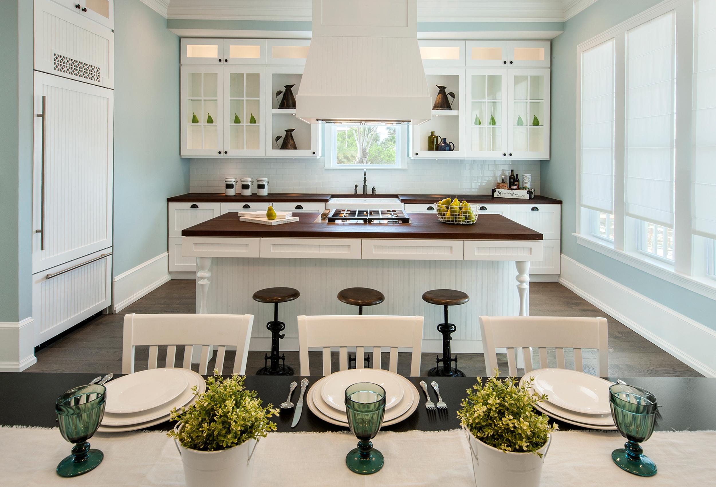 Oni-One-Residential-Schooner-Kitchen.jpg