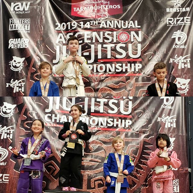 Small but mighty...our kids inspire us with on their courage and hard work in persuit of their goals. Excellent job Chalie and Pearce. Getting to  watch your hard work pay off makes us so proud 💪☺🧡💙 #4Pointsbjj #toronto #smallbutmighty #bjj #bjjkids