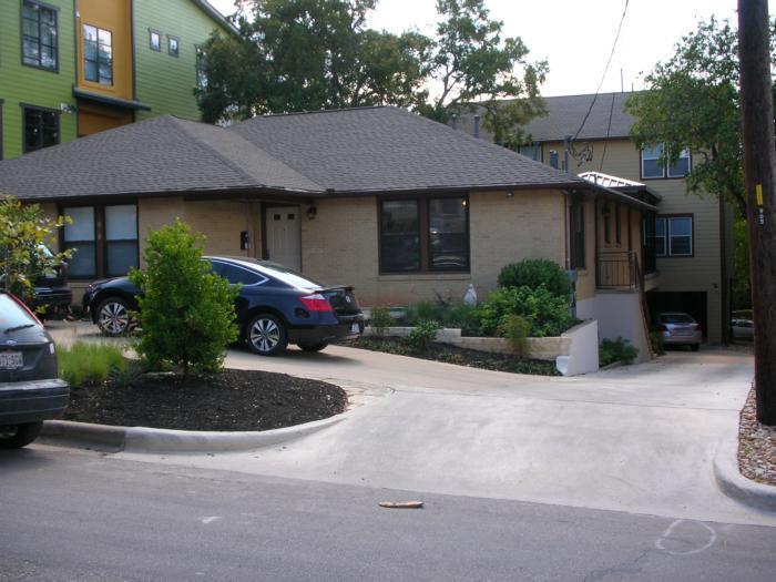 Borromeo House 2008 010.jpg