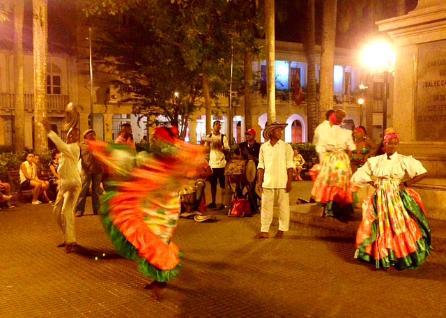 Dancers_Colombiano.jpg