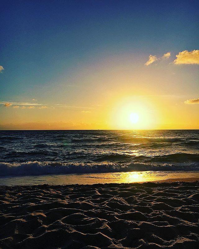 Pompano Beach Sunrise.  #pompanobeach #florida #nature #beautiful #beach #sand #ocean #sunrise #sun #god #colors