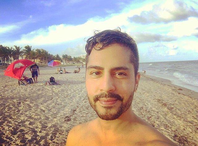 Pompano Beach 🏝 . . . . . . #pompanobeach #latino #nuyorican #vacation #vacationmode #blueskies #sand #beach #ocean #newyorkerinflorida #florida