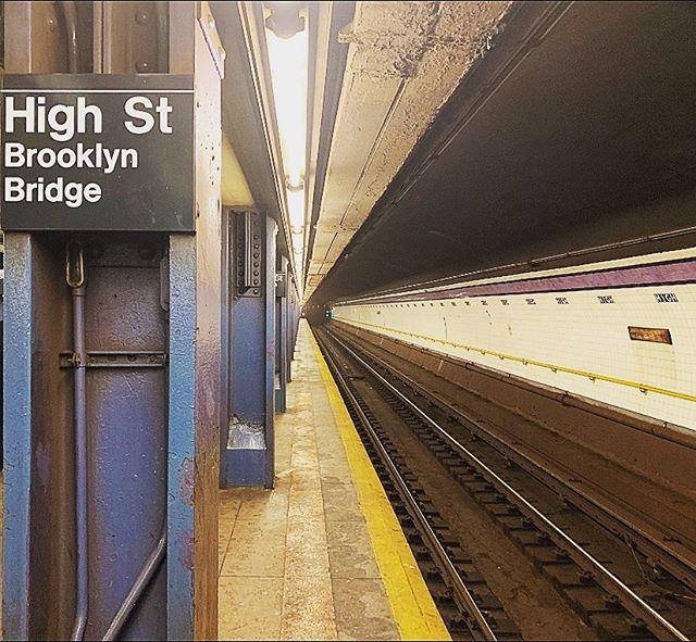 High Street, Brooklyn Bridge NYC