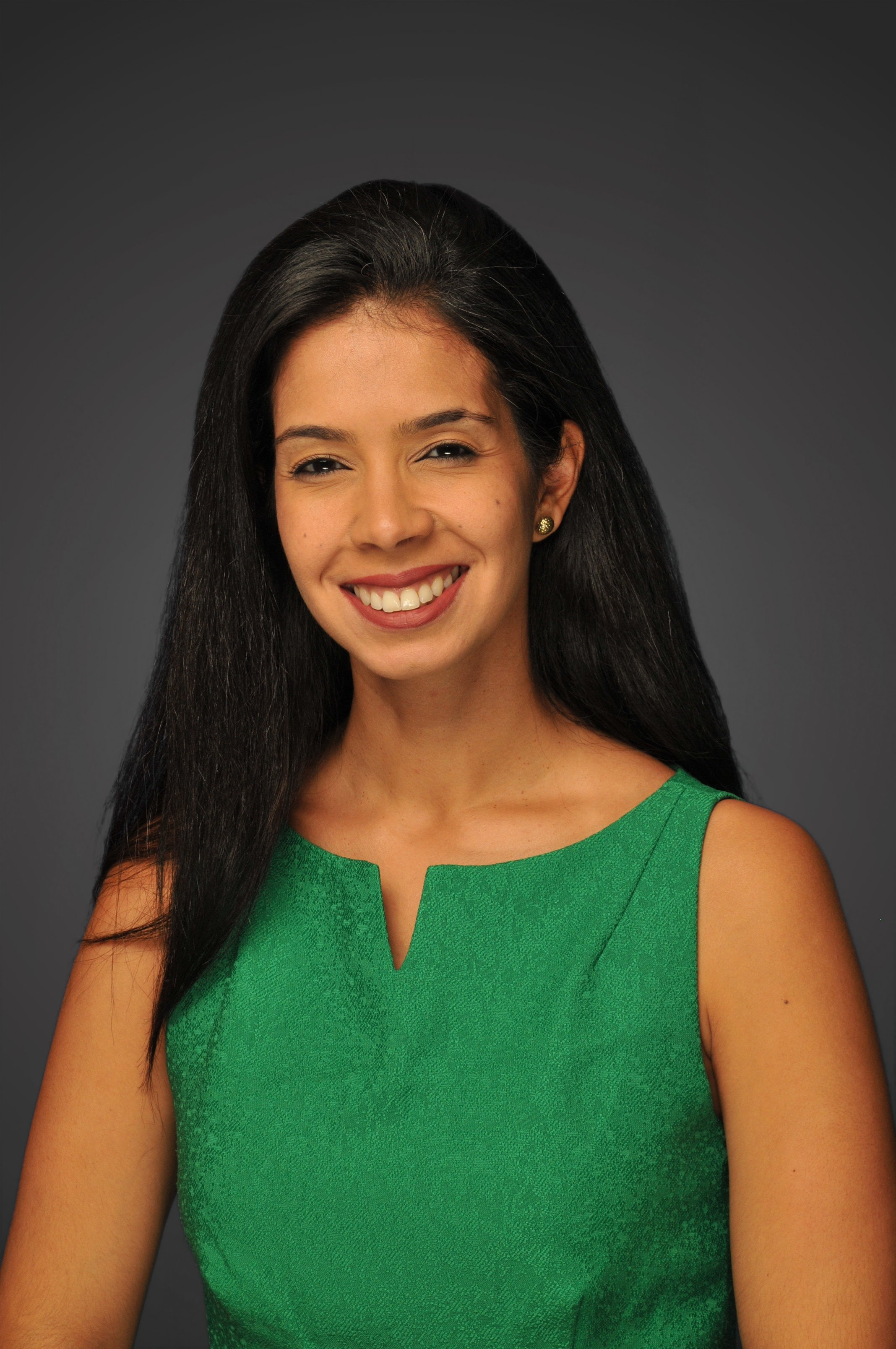 Jazmin Cabeza - Jazmin Cabeza is specializing in Finance and Global Business. Prior to Stern, Jazmin worked in Accenture Consulting for 7 years aligned to the Financial Services practice. Jazmin graduated from the University of Central Florida in 2009 with a B.S./M.S degree in Industrial Engineering.