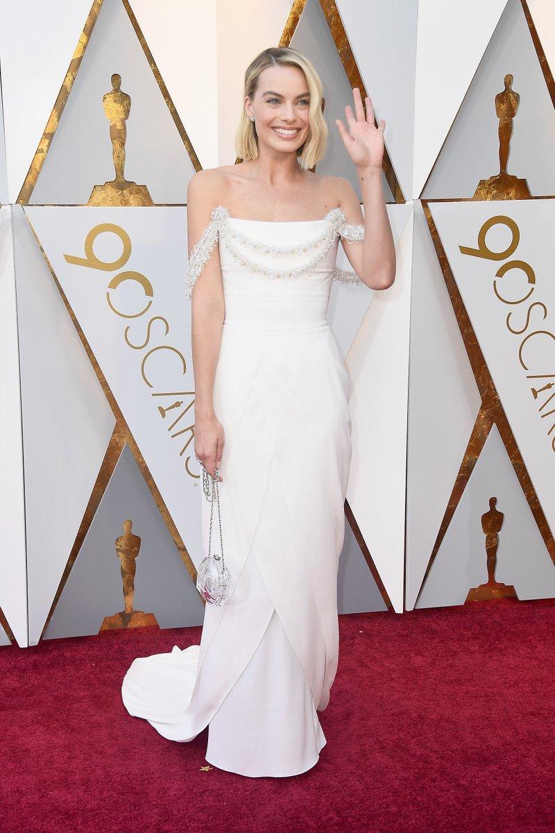Margot Robbie in Chanel.jpg