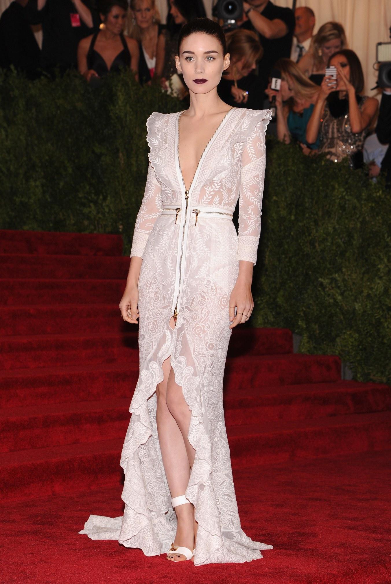 Rooney Mara in Givenchy 2013.jpg