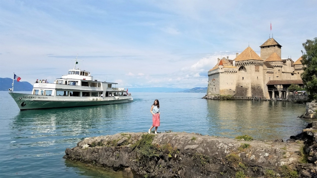 Chateau de Chillon is a Swiss castle on Lac Lemon, or Lake Geneva, in the town of Montreux, Switzerland. You can tour the inside or take a boat ride on Lac Lemon to capture a scene that includes blue waters and the Alps in the distance. #Travel #Switzerland #Wanderlust #Castles #Europe #TravelTips #Swisscastles #lakes