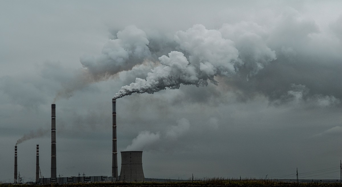 pollution_smoke_environment_smog_industry_factory_toxic_environmental-1370585.png