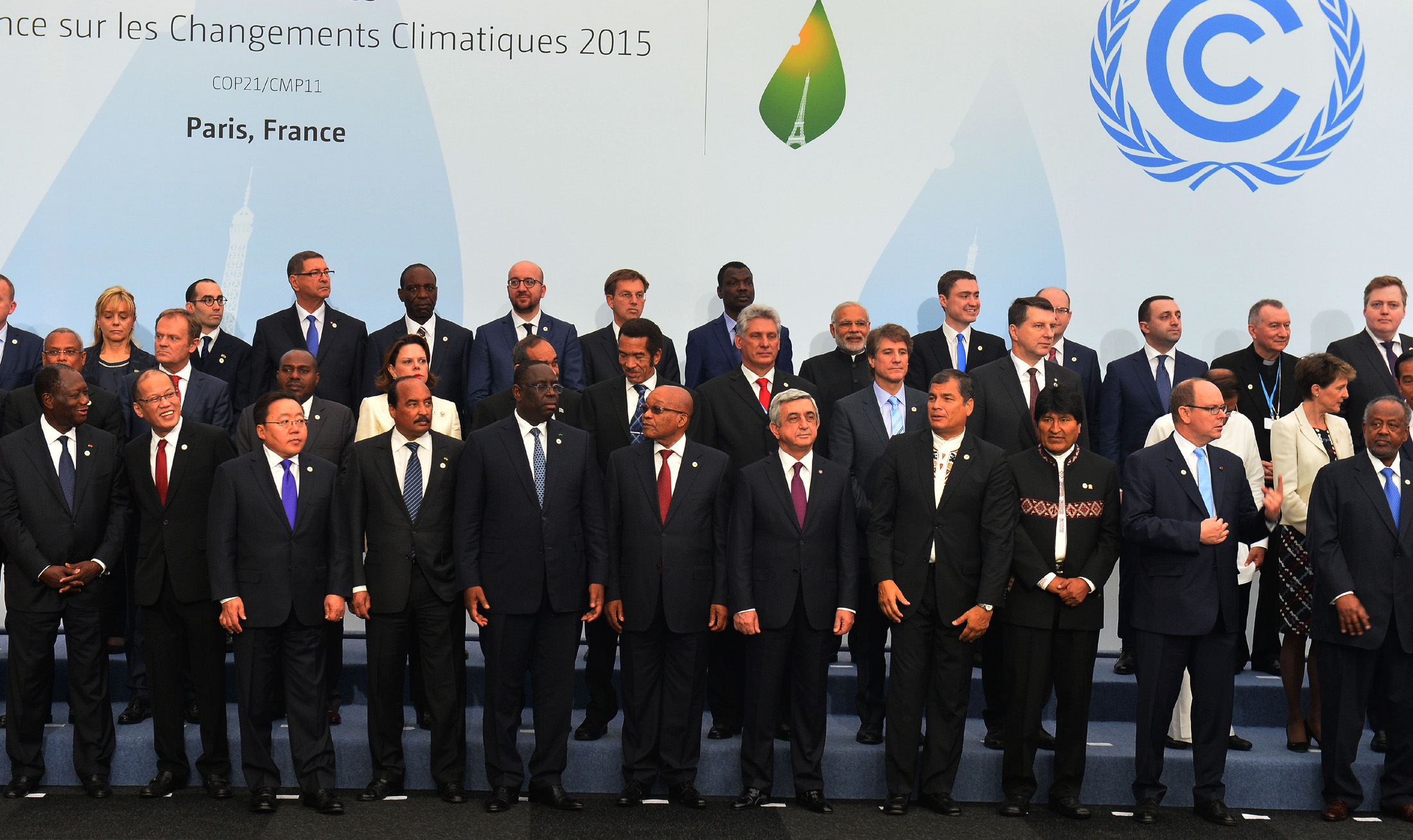 World leaders attending the United Nations Climate Change Conference, also known as COP21, in Paris in 2015 ( Image )