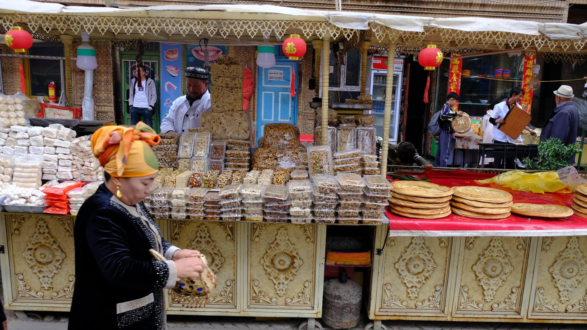 A marketplace in Xinjiang, China (Image: Yiming Zhao)