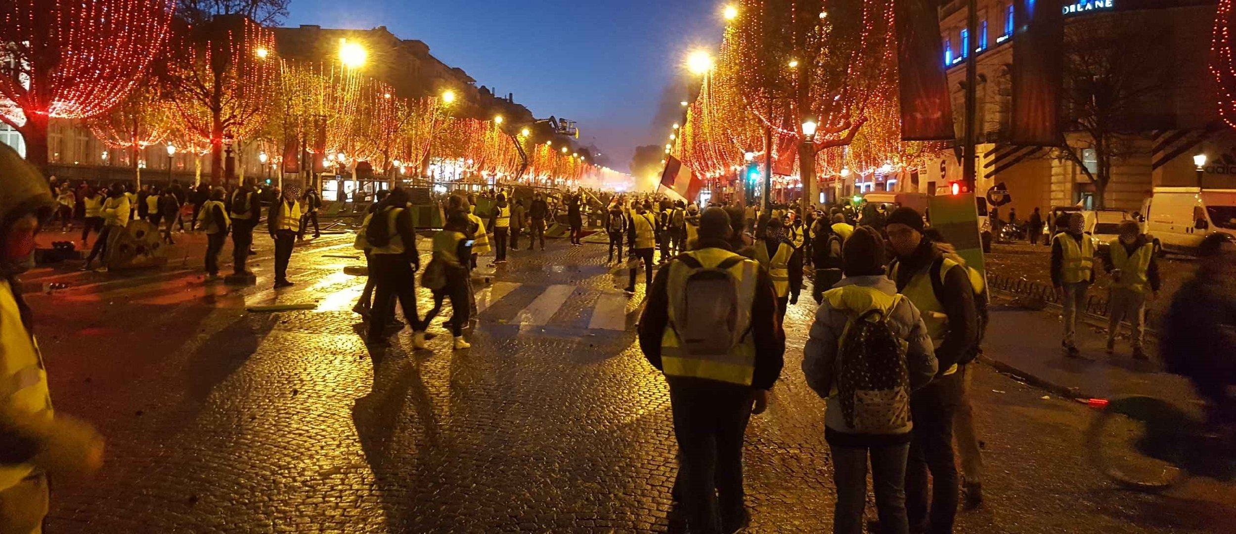French demonstrators wearing yellow vests and protesting in the streets of Paris ( Image )