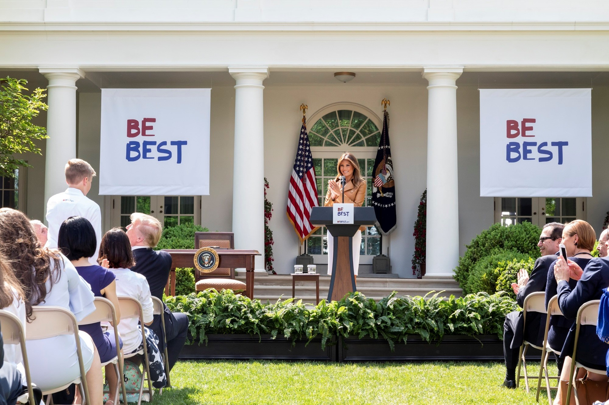First Lady Melania Trump speaks at the launch of the Be Best initiative ( Image )