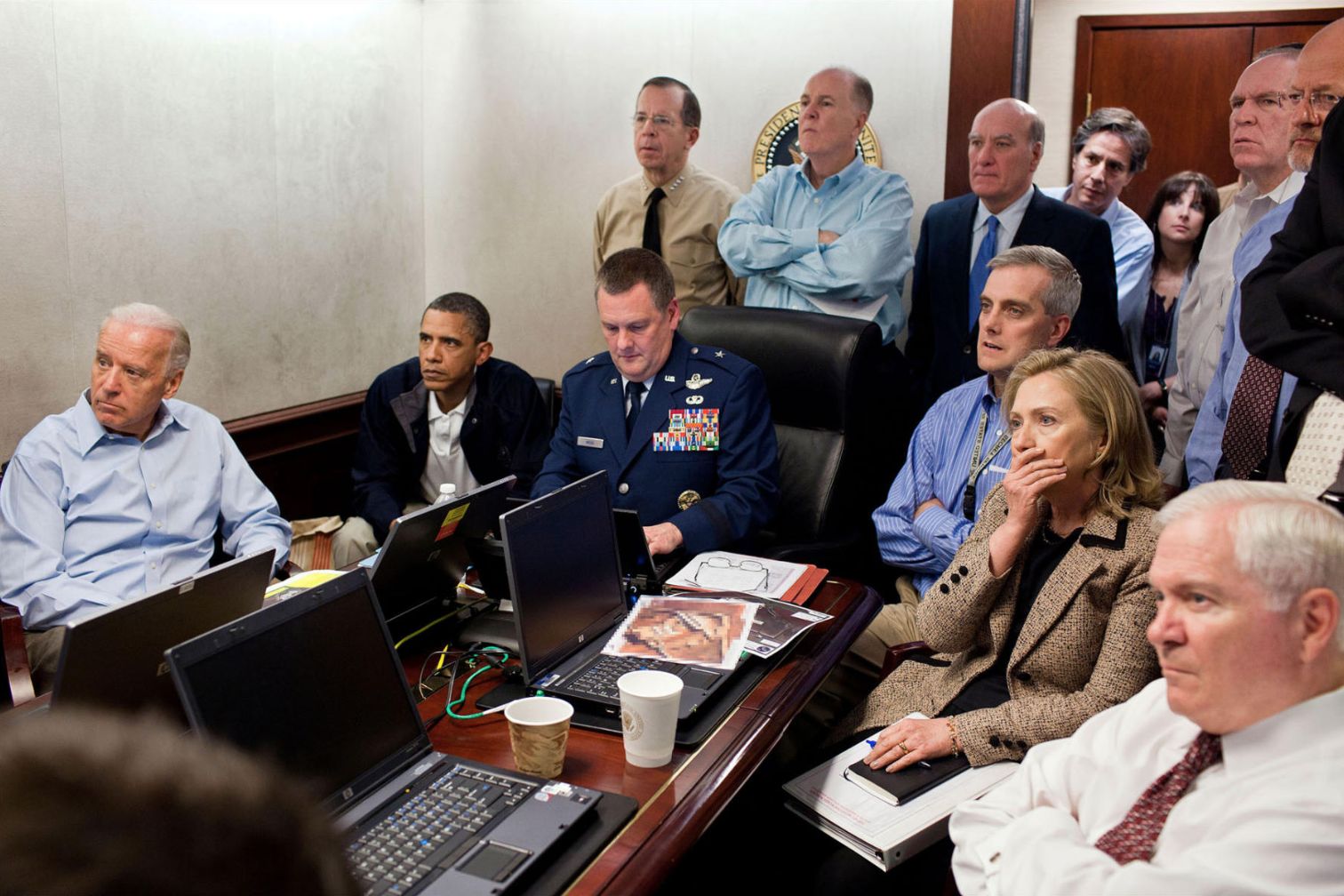 President Obama and other officials in the Situation Room overseeing the CIA-led operation resulting in Osama Bin Laden's capture in 2011 ( Image )