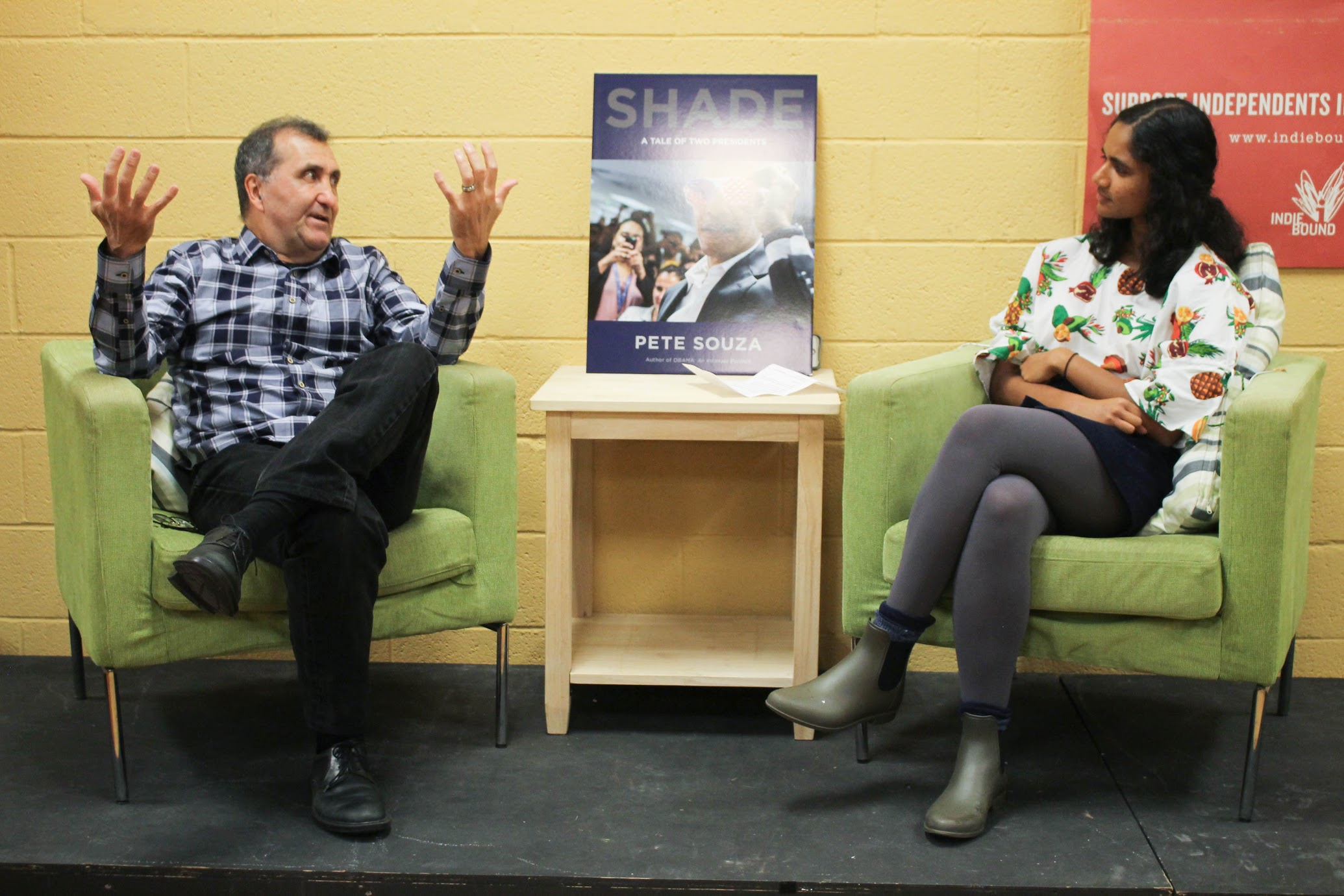Pete Souza, former White House Photographer for Presidents Ronald Reagan and Barack Obama, with Managing Editor Meghana Srikrishna (Image: Blythe Gulley)