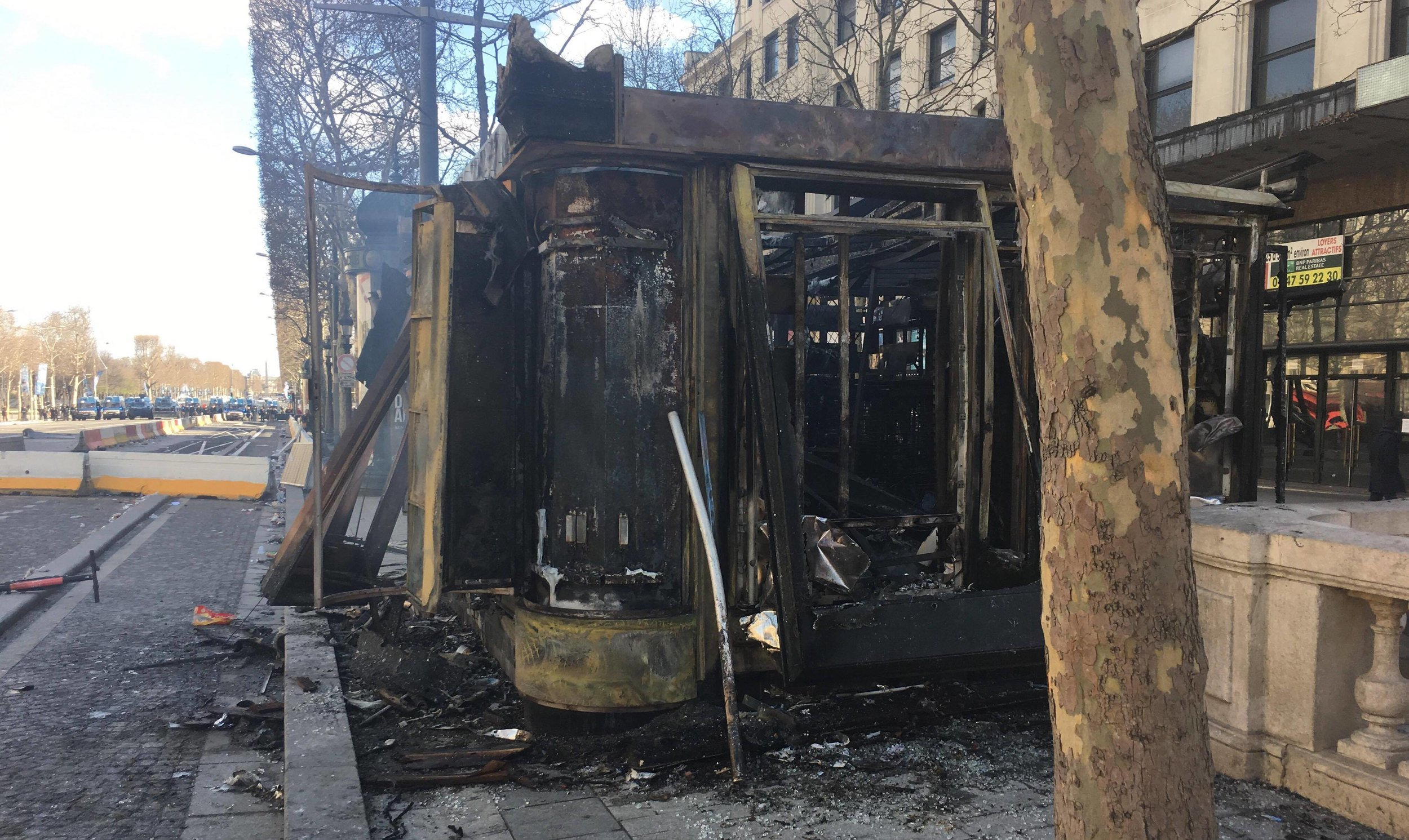 A storefront burned in the Yellow Vest protests in Paris, France (Image: Lauryl Fright)