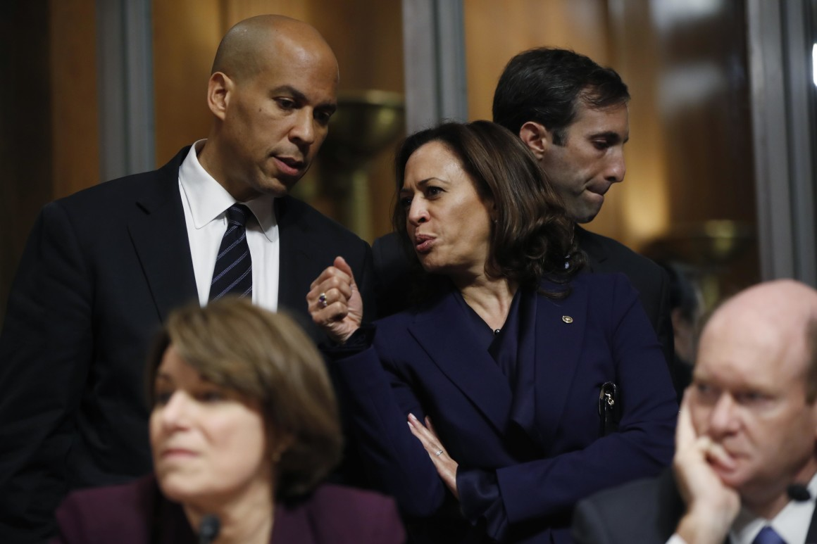 Senators Cory Booker (D-NJ) and Kamala Harris (D-CA) on Capitol Hill in September ( Image )