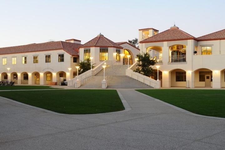 Harvard-Westlake_Middle_School_Los_Angeles_CA_Campus_4.jpg