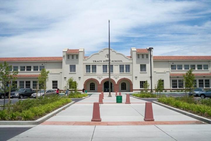 Tracy High School, Dr. James C. Franco Building.jpg