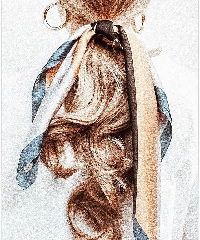 One of our favorite ways to extend a blowout! #nationalblowoutday • • • • #igdaily #instabeauty #instadaily #beauty #beautygiveaway #beautylover #hair #hairtools #stylingtools #salon #salonlife #stylists #blowout #blowoutstyles