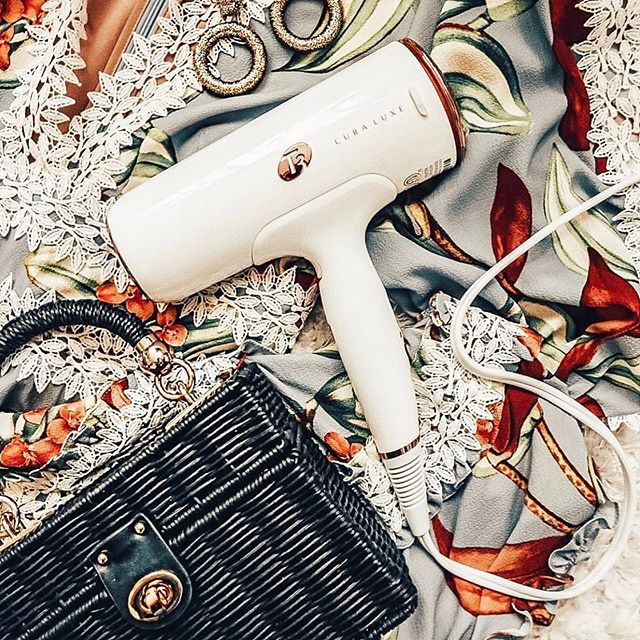 We're coming in hot July 28th! Comment your favorite styling tools below! #nationalblowoutday 📸: @t3micro • • • • #t3micro #stylist #stylists #salon #salonlife #beauty #beautygiveaway #instadaily #igdaily #instabeauty #hair #hairtools #stylingtools