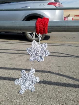 snowflake yarnbomb.jpg