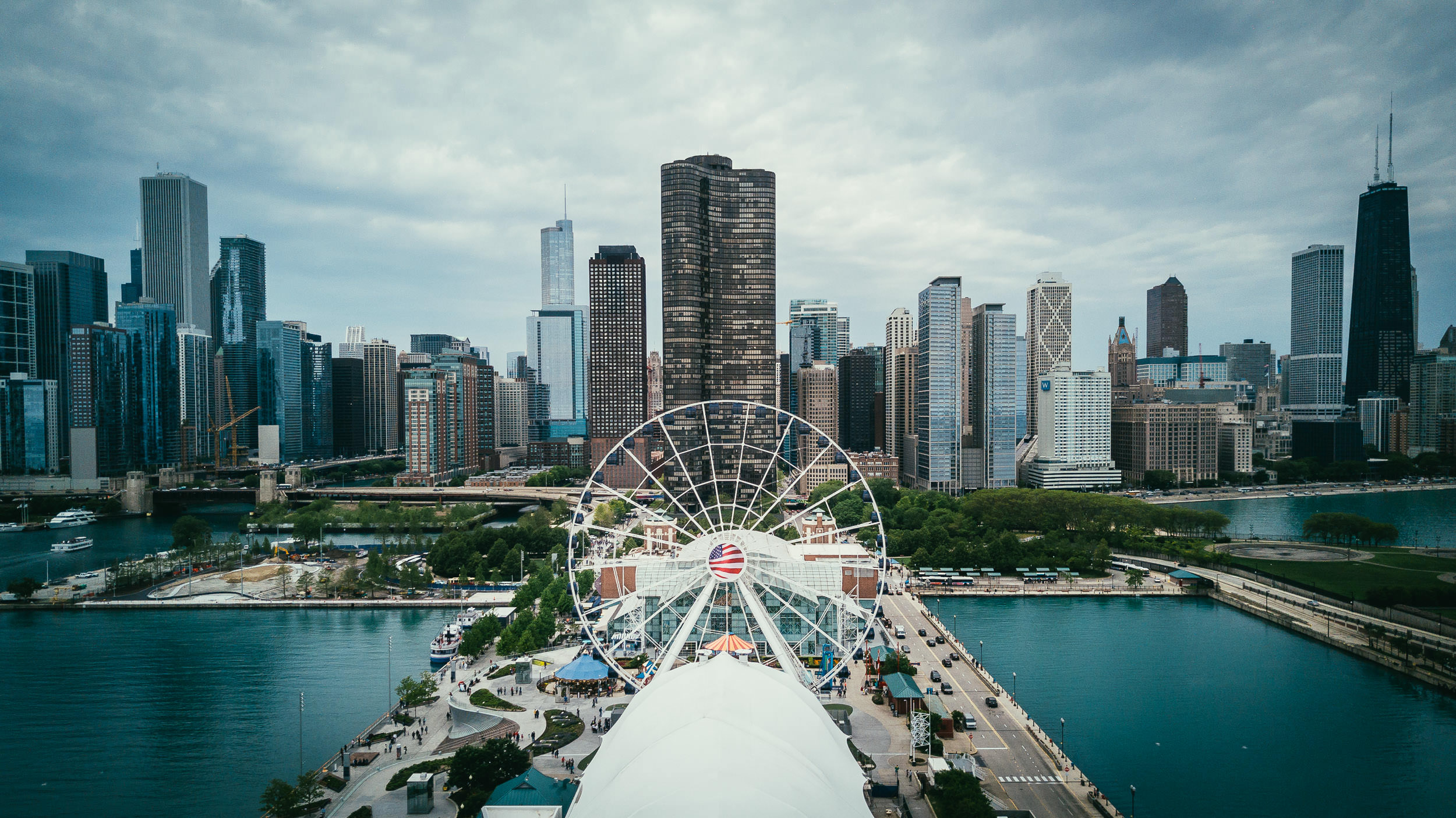 2017.05.26_Mavic_Buckingham_Fountain_Navy_Pier-0033.jpg