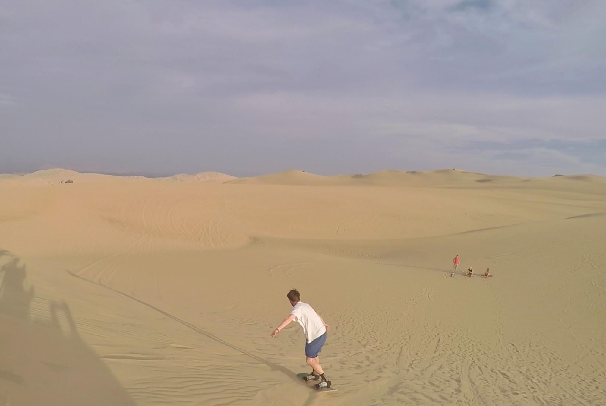 Sandboarding in Huacachina2.jpg